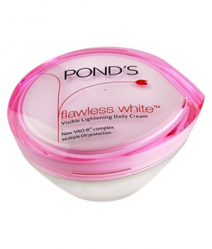 Flawless-White-Visible-Lightening-Day-Cream-50-g